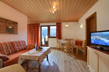 2 Raum Appartement Dorfblick mit Schlafzimmer und Wohnschlafzimmer