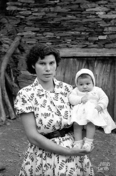 1958-Otero-madre-bebé-Carlos-Diaz-Gallego-asfotosdocarlos.com