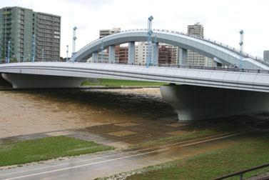 平成23年9月6日午後の豊平川。幌平橋付近の河川敷