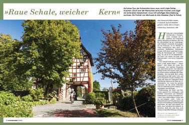 Tür und Tor: Zur Stammburg der Freiherren von Stetten geht es durch ein Torhaus mit Glockenspiel.