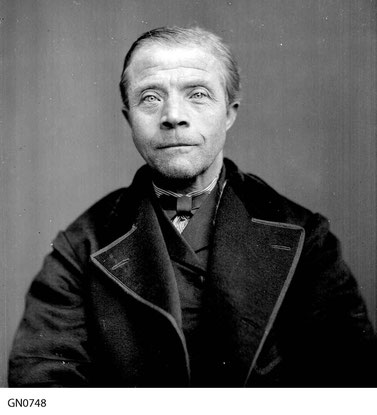 Cornelis T Hoen