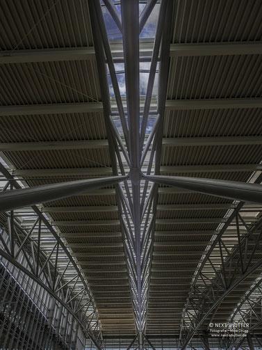 Die Dachkontruktionen der Terminals 1 und 2 wirken durchaus spektakulär