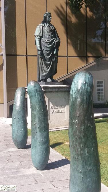 Schiller Denkmal im Furtwänglerpark in der Salzburg Altstadt