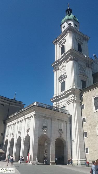 Der Salzburger Dom fasst 10.000 Menschen und hat 11 Altäre