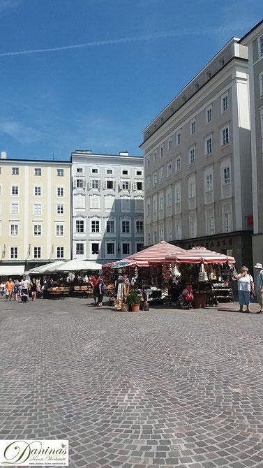 Prächtige Bürgerhäuser in Salzburg am Alten Markt.