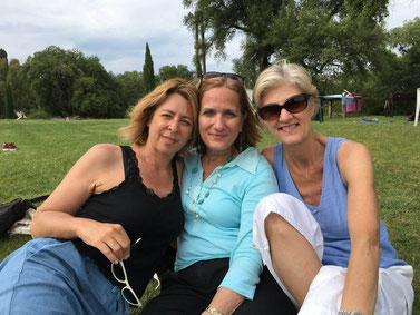 Die Mitbegründerinnen von Retake: von links Paola Carra, Rebecca Spitzmiller, Lori Hickey