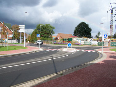 Gefahrenpunkt 3: Kreisverkehr Obstmarschenweg / Kirchstraße / Deichstraße