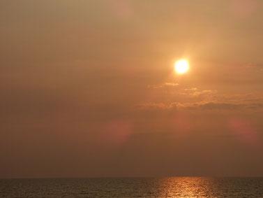 日が暮れるのも早くなってきましたね。