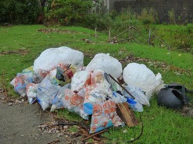 集まったゴミは日置市行政で処分して頂ける事になりました。
