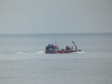 海底ケーブル作業船も撤収。