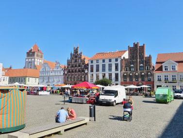 Der schöne Marktplatz von Wolgast.
