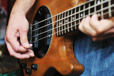 Bild: E-Basslehrer in Koblenz