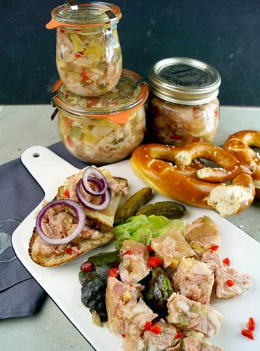 Hausmacher Sülze aus Schweinefleisch, Pilzen und Gemüse