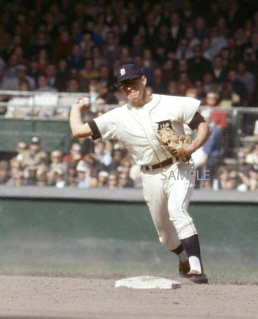 Nella foto Mickey Stanley nel ruolo di shortstop