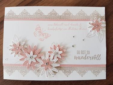 """Karte mit dem Stempelset """"So dankbar"""" """"Du bist so wertvoll"""", Spitze, Stanze Dreierlei Blüten von Stampin'Up!"""