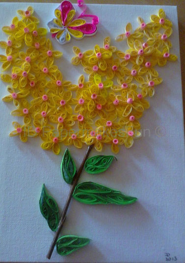 Quilling yellow Blossoms
