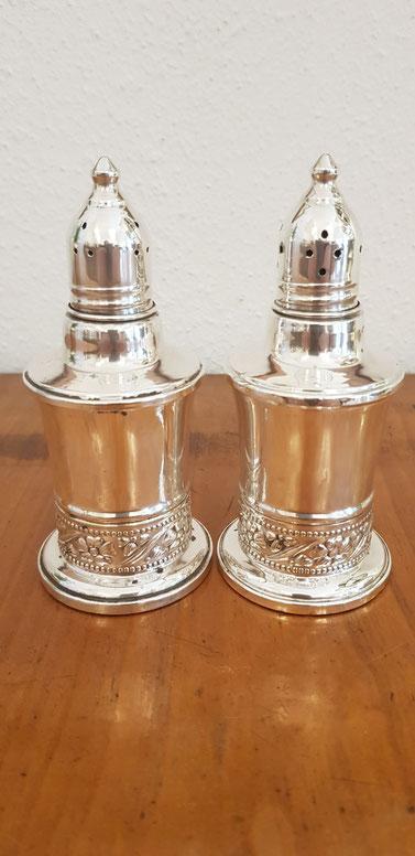 Paar Salz~/Pfefferstreuer Sterling Silber USA