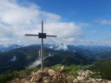 Gipfelkreuz der Lindaumauer bei Maria Neustift