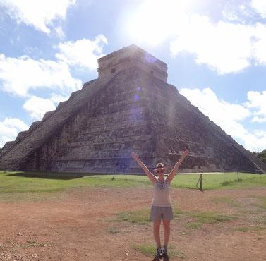 Kukulcan Pyramide / Chichen Itza / Yucatan