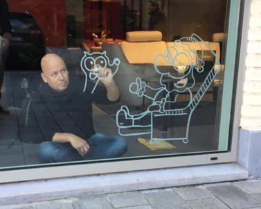 Dirk Van Bun Communicatie & Vormgeving - Illustraties - originele tekening - etalagecartoons - krijtstiften - Lommel