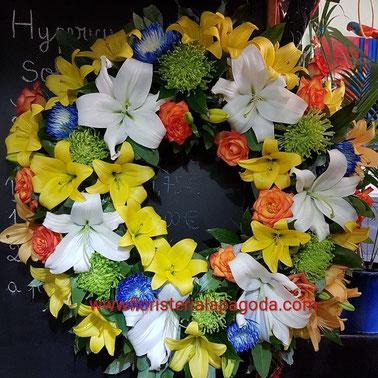 Corona mediana de flores multicolor ref COR04   PVP 110€