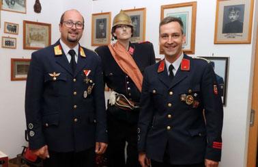 Feuerwehrkommandant Werner Puggl und sein Stellvertreter Stefan Unterweger freuten sich auf den regen Besuch.
