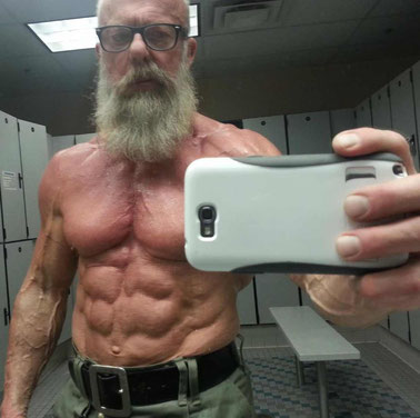 older bodybuilder weight lifter selfie weight lifting for health longevity and healthy aging