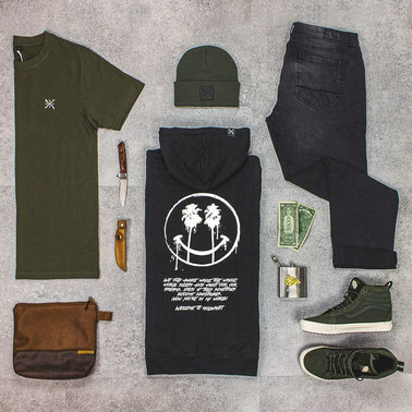 holywhat, hlywht, aimhigh, hoodie, streetwear, flatlay, grit, vans, gshock, polaroid, beanie, ,pastel, rosa