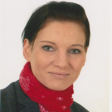 Jenny Hildebrandt, Financial Services