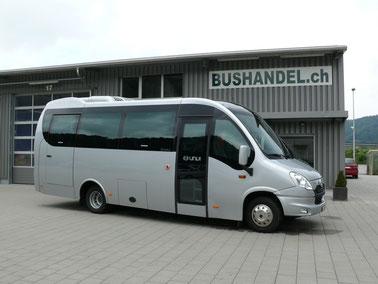 Kleincar Iveco mit 27 bis 28 Sitzplätzen