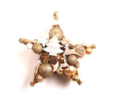 Stern in gold und weiß mit Glitzerkugeln und Zapfen