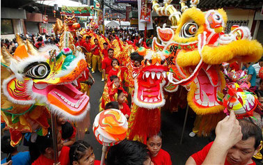 © AP, telegraph.co.uk. Quelle: http://discoverphilippines.org/2013/12/30/philippine-festivals-holidays-events-2014/