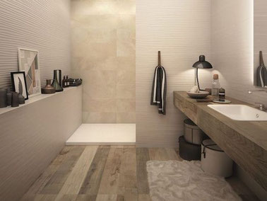 PVC laminaat kan niet in de doucheruimte zelf, maar wel op de badkamervloer