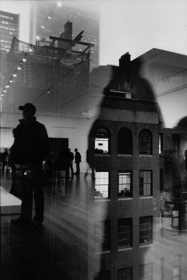 Photographie, New York, Time Square, Manhattan, reflets, street photography, ombres, visualisme, nuit, Mathieu Guillochon, architecture, art, musée, moma, chantier, noir et blanc, néons, USA, Alpha City