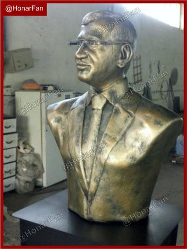 مجسمه سازی تولید مجسمه انسان سازنده سردیس و تندیس انسان مشاهیر شهدا