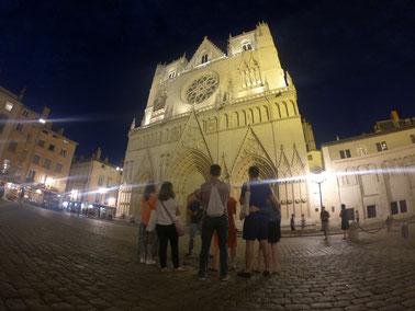 Visite guidée sur les légendes noires de  Lyon, tours in english dark tales of Lyon