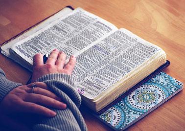 La vraie vérité ne craint pas les recherches bibliques, historiques, scientifiques. Il est important de rester fidèle à soi-même et d'être profondément convaincu intérieurement que tout ce que l'on croit est bien vrai / vérifié / logique / expliqué …