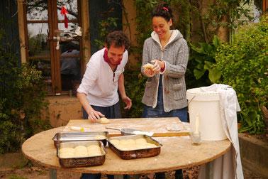 Die BäckerIn laden zu einer Sonntagsbrioche ein