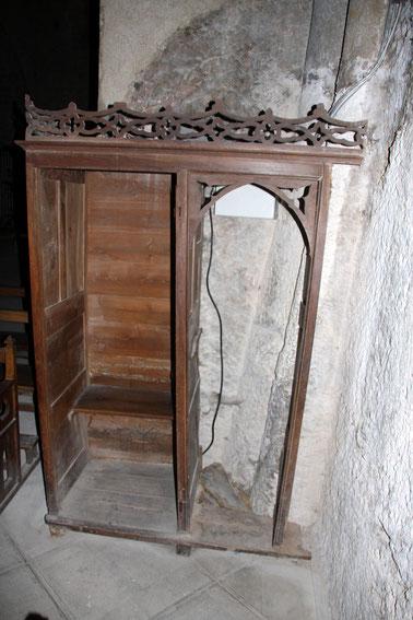 Bild: Beichtstuhl in der Chapelle Notre-Dame-de-Beauvoir