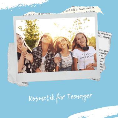 Lachende Mädchen mit Teenager Kosmetik