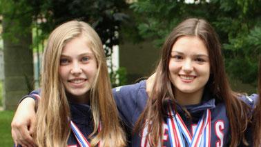 Les deux rémoises ont été une nouvelle fois remarquées par la Fédération Française d'Escrime (Emma à gauche, Cyrielle à droite).