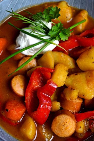 Gemüse, Kartoffeln, leicht scharf - Gemüsetopf mit Kartoffeln