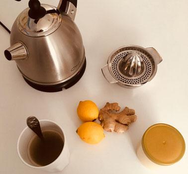 Wasser, Zitrone, Ingwer, Honig