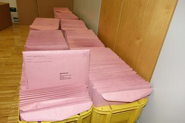 Wahlbriefe mit den Briefwahlunterlagen Foto: Dr. Franz Janka/Stadt Neumarkt