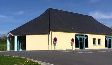 Photo - Salle des fêtes située à proximité du bourg