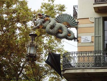 Дом с зонтиками, Барселона