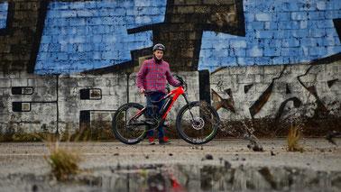 Tom Cardy mit dem XDURO AllMtn 2.0 / Foto: HAIBIKE