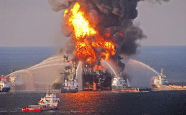 Im April 2010 explodierte im Golf von Mexiko  die Ölbohrplattform Deepwater Horizon des britischen Erdölgiganten BP.