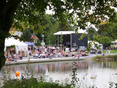 Karpfenfest an der Seepromenade (Huss)