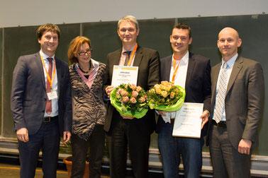 Verleihung des Egon-Macher-Preises 2015 (v.l.n.r.): Prof. Dr. med. Martin Metz, Prof. Dr. med. Christine Neumann, Prof. Dr. med. Tilo Biedermann,Tobias Bald, Dr. Johannes Huss-Marp